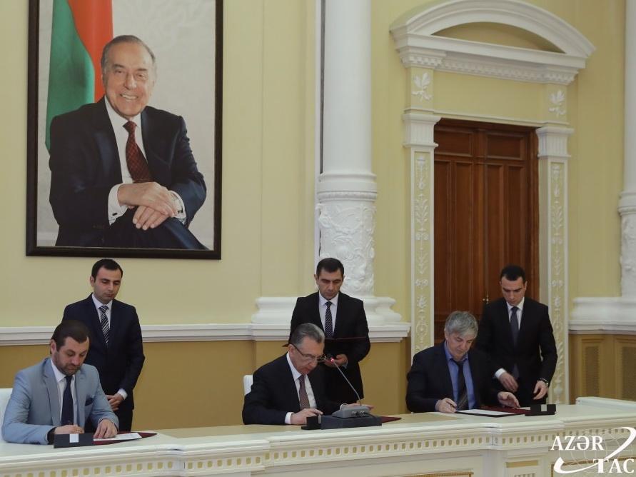 Подписан Меморандум о взаимном сотрудничестве Баку с российскими городами Дербент и Магас - ФОТО
