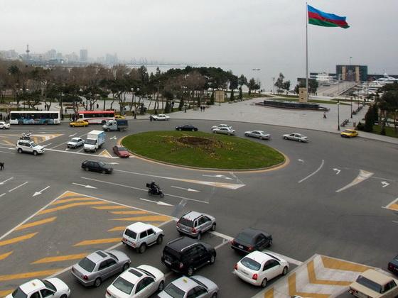 В связи с празднованием Новруза меняется направление движения транспорта на ряде дорог Баку