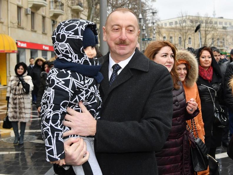 В центре революционных указов Президента Ильхама Алиева стоит гражданин Азербайджана