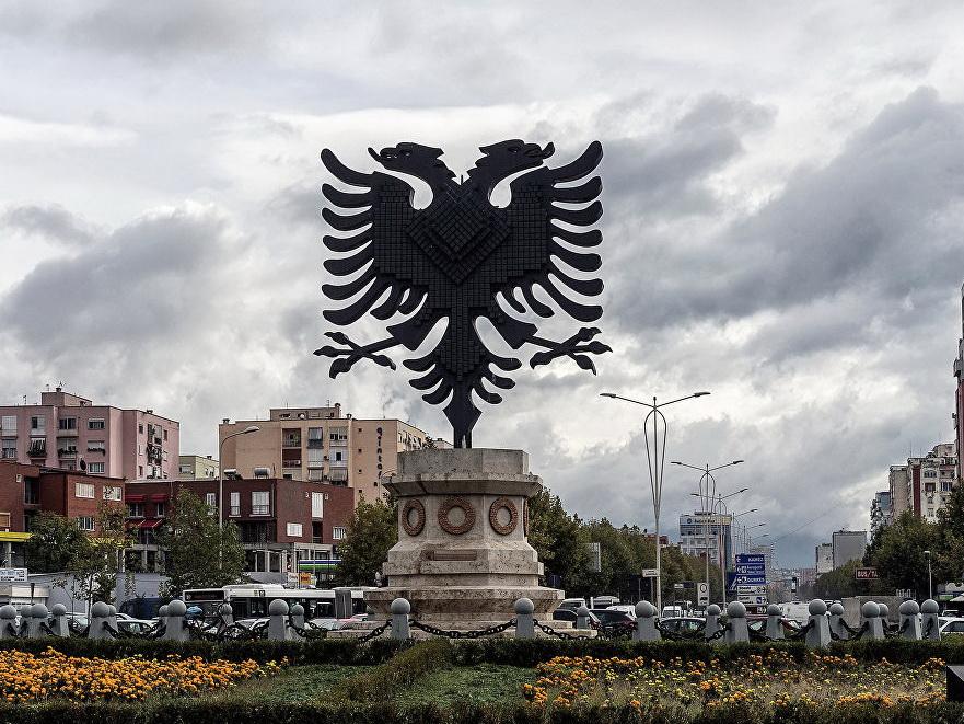В Тиране произошли столкновения протестующих с полицией