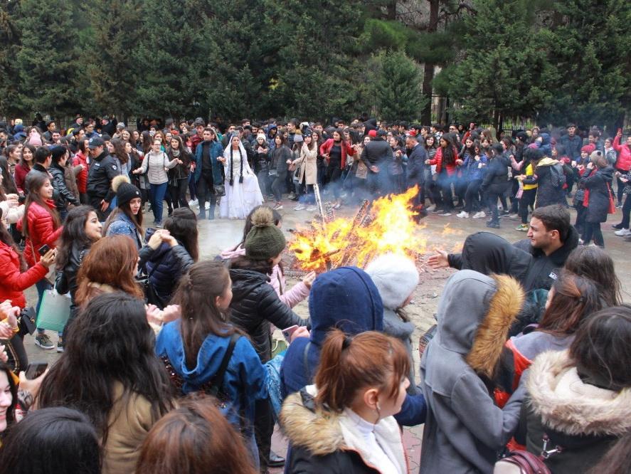 Как Баку отмечает Новруз байрамы – ФОТО
