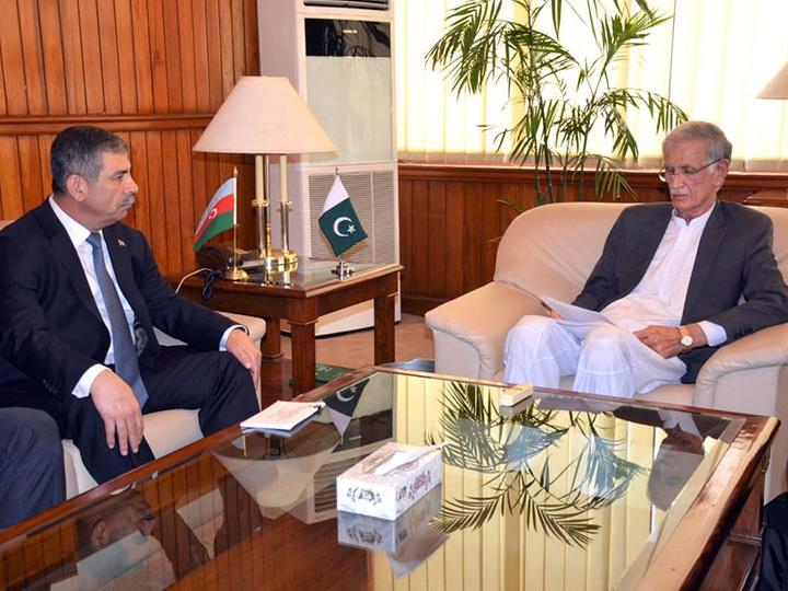 Министр обороны Азербайджана встретился со своим пакистанским коллегой - ФОТО