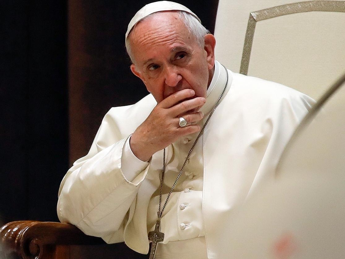 Папа Римский принял отставку причастного к делу о педофилии кардинала