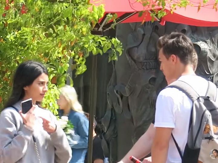 Руслана Джавадова устроила пранк на улицах Лос-Анджелеса, предлагая парням жениться на ней – ВИДЕО