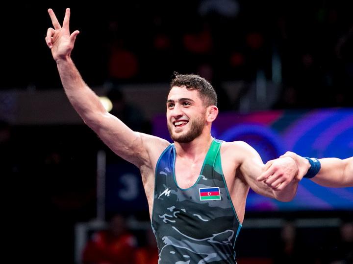 Два «золота», пять медалей: Азербайджанские борцы покоряют Бухарест – ВИДЕО