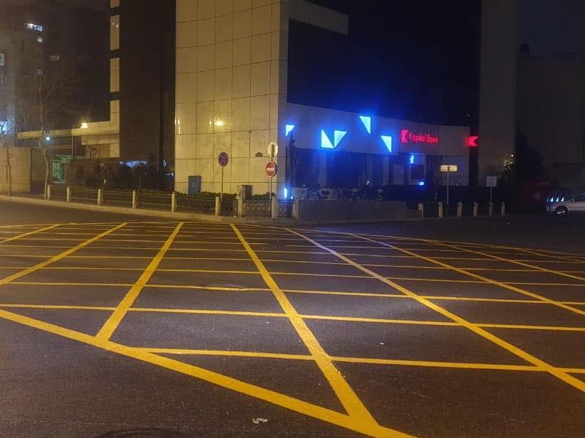 Еще на три перекрестка в центре Баку нанесли «вафельницу» - ФОТО