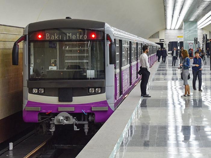 Бакметрополитен назвал причину задержек поездов