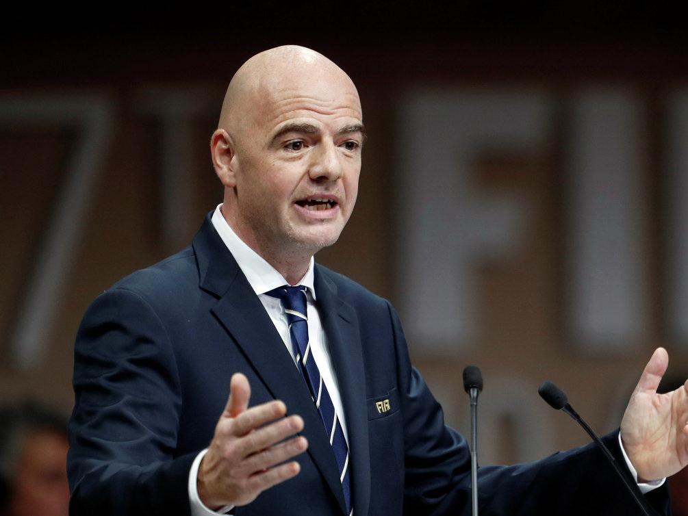 Глава ФИФА выступил за остановку матчей в случае расистских выходок