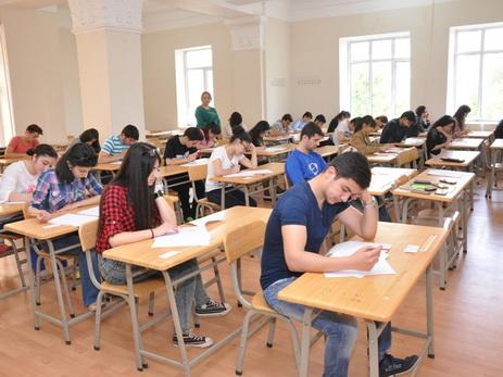 В Азербайджане проходят выпускные экзамены для XI-классников