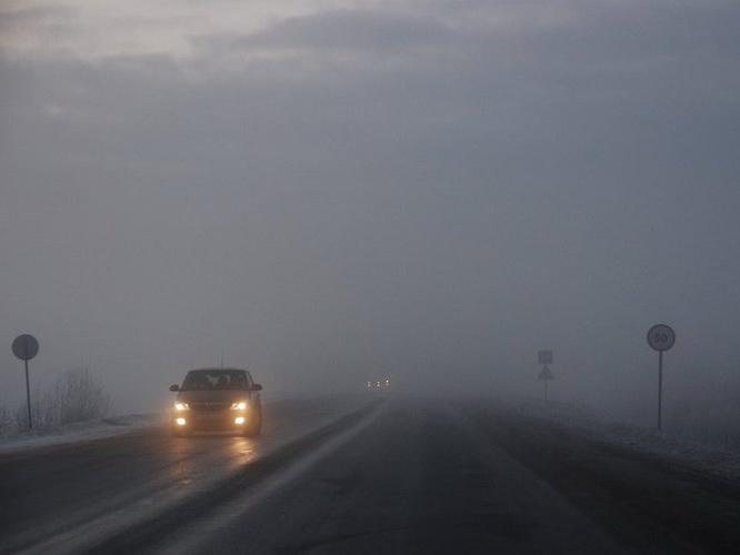Дорожная полиция Баку предупредила водителей в связи с туманом