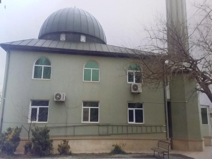 Biləcəridəki məsciddən axundun 1500 manatı və 500 dolları oğurlanıb – FOTO