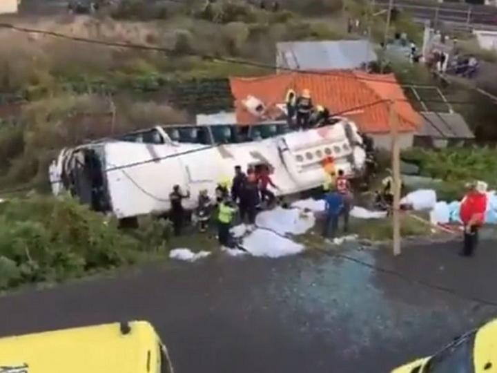 В Португалии около 30 человек погибли в ДТП с туристическим автобусом