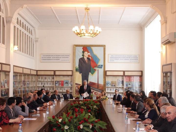 В АГПУ состоялась презентация книги «Политическое наследие периода ханств нашей истории в свете документов» - ФОТО