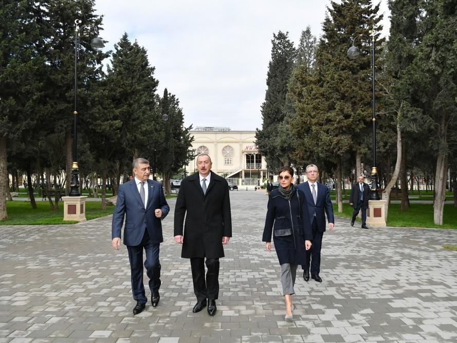 Ильхам Алиев ознакомился с условиями, созданными в реконструированном парке Нефтчиляр в поселке Гарачухур - ФОТО