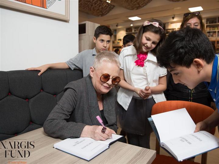Фонд Nargis, Libraff и Центр творчества Максуда Ибрагимбекова провели презентацию книги «Пусть он останется с нами» – ФОТО