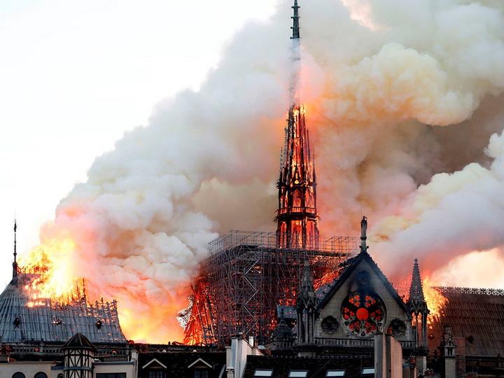 Названа новая причина пожара вНотр-Даме