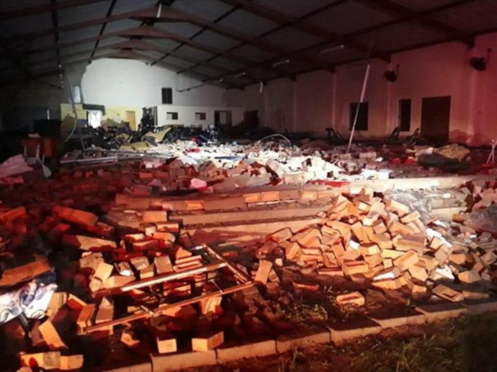 В ЮАР во время пасхальной службы обрушилась церковь: 13 жертв - ФОТО