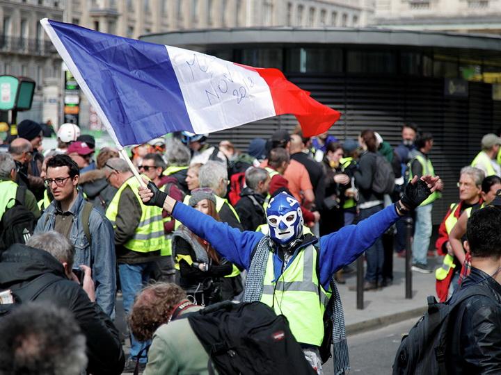 В Париже 70 человек задержали на акции «желтых жилетов» - ФОТО - ОБНОВЛЕНО