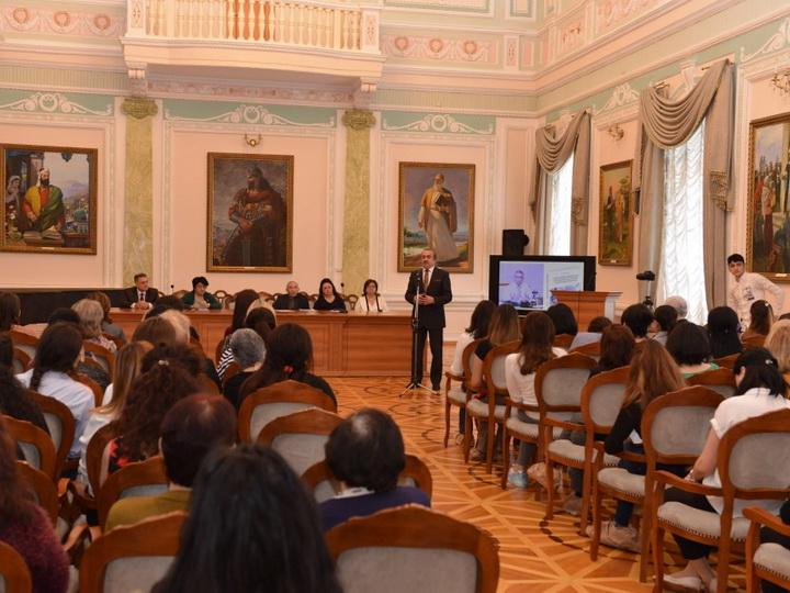 Ценный труд академика Рамиза Мехтиева, мобилизующий наших ученых к новым поискам в изучении национальной истории - ФОТО
