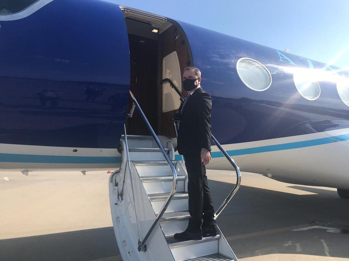 Джейхун Байрамов отбыл с официальным визитом в Турцию