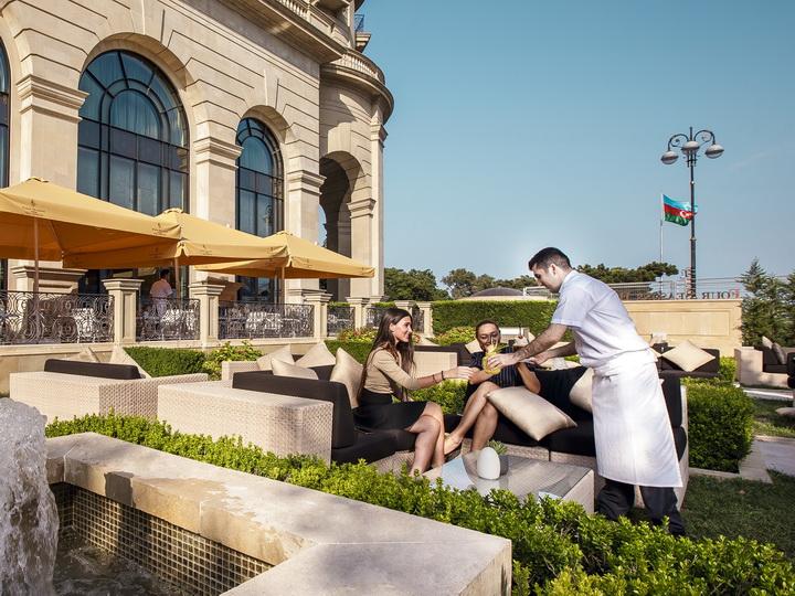 Получите еще большее удовольствие от гонки Formula 1 с Four Seasons Hotel Baku – ФОТО