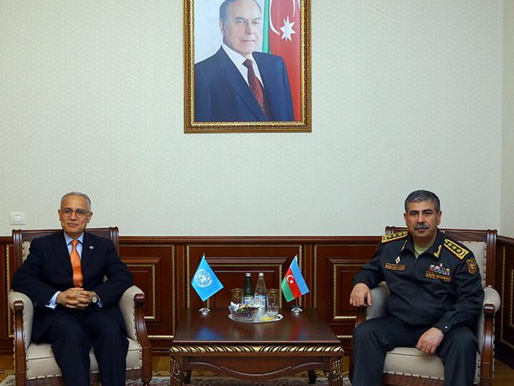 Министр обороны встретился с резидент-координатором ООН в Азербайджане
