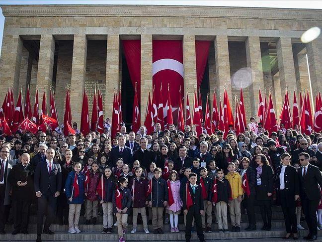 В Турции отмечают День национального суверенитета и детей - ФОТО
