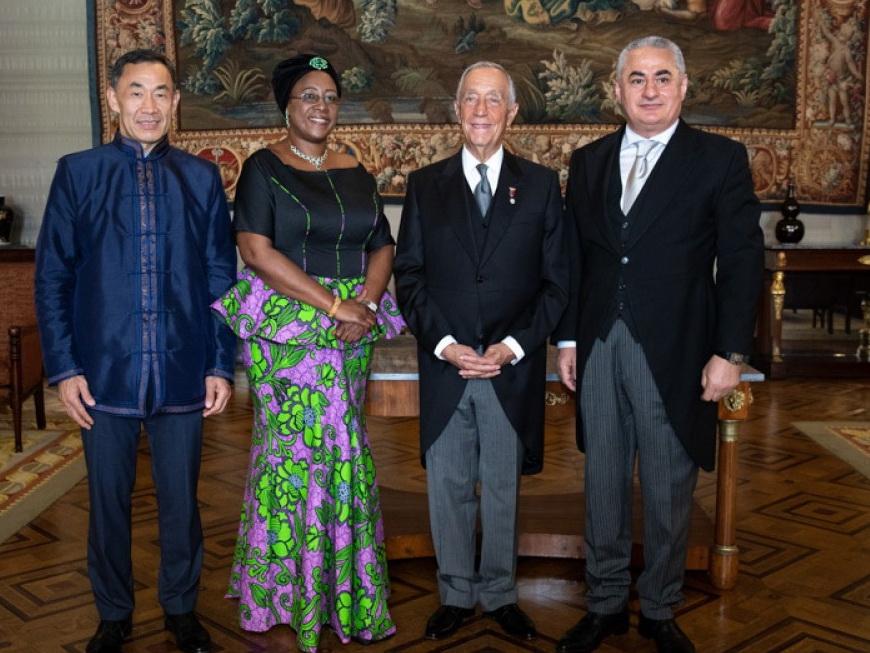 Посол Азербайджана в Португалии вручил верительные грамоты Президенту страны