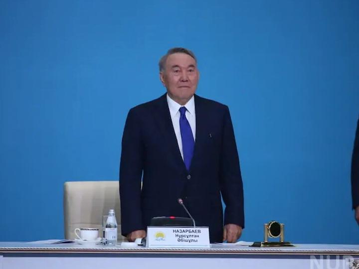 Назарбаев не смог сдержать слез во время съезда партии «Нур Отан» - ВИДЕО