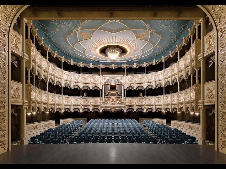 Dövlət Akademik Musiqili Teatrı may repertuarını açıqlayıb