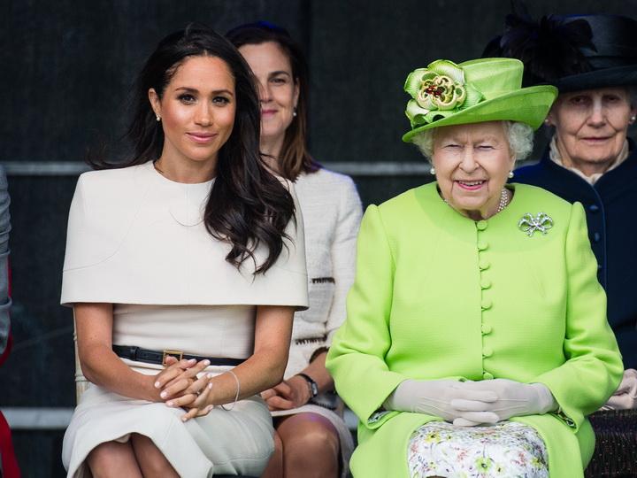 Меган Маркл вновь нарушает королевские традиции, возмущая Елизавету II – ФОТО