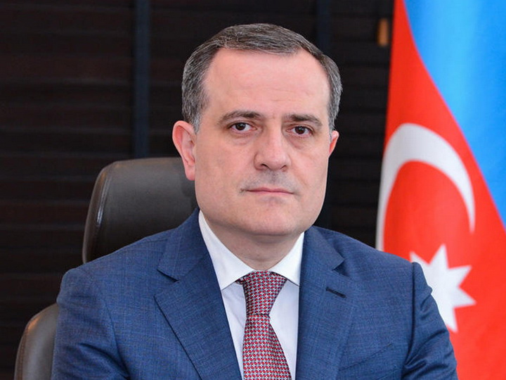 Министр образования уволил директора школы