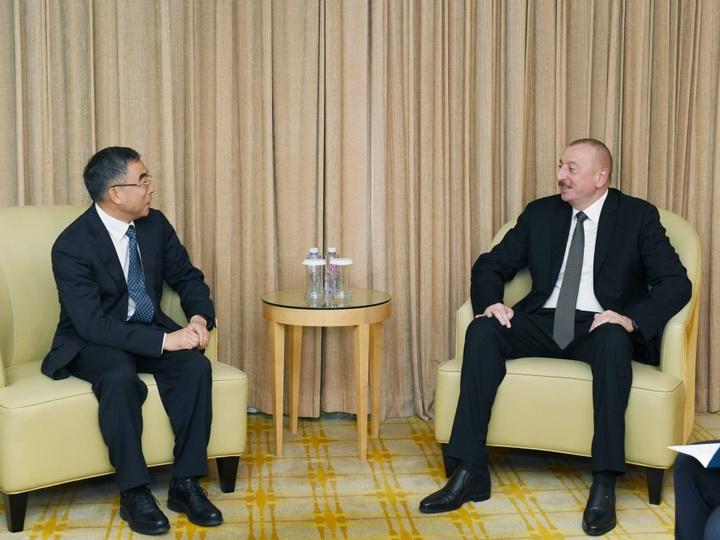 Президент Ильхам Алиев встретился с председателем компании Huawei - ФОТО