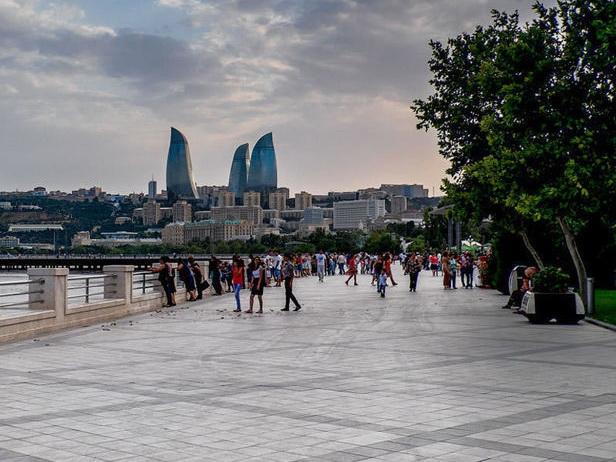 В Баку во вторник тепло, до +27