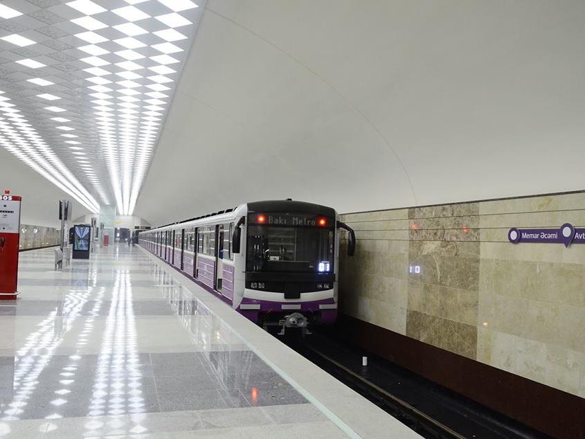 Эвакуируются пассажиры Бакметрополитена: Перебои с электричеством