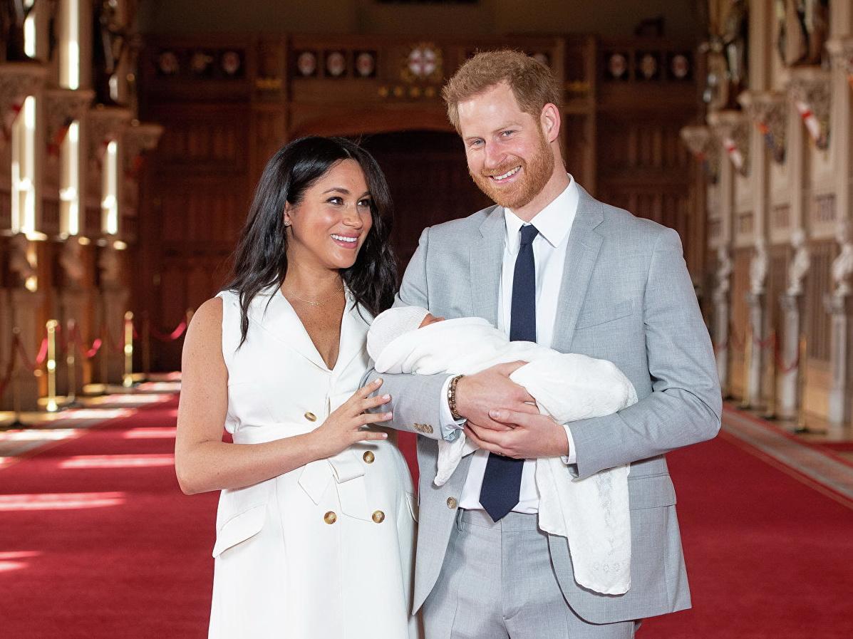 Стало известно имя сына принца Гарри и Меган Маркл