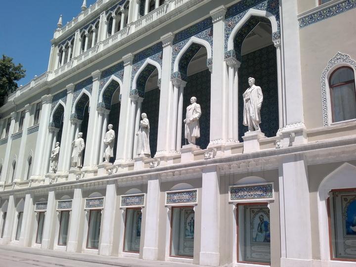 В Баку проходит бесплатная «Неделя музеев для школьников»