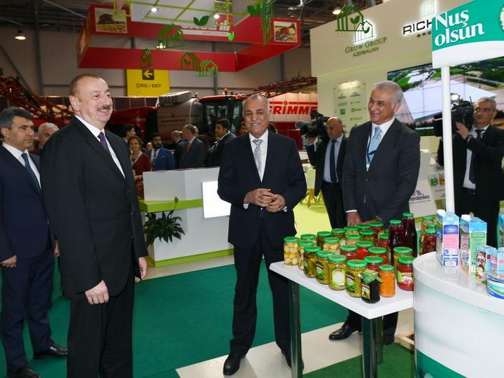 Президент Азербайджана ознакомился с международными выставками- ФОТО