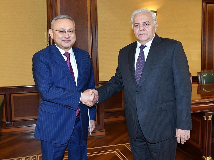 Посол Казахстана встретился с Огтаем Асадовым
