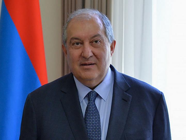 Президент Армении подписал закон об изменении структуры правительства