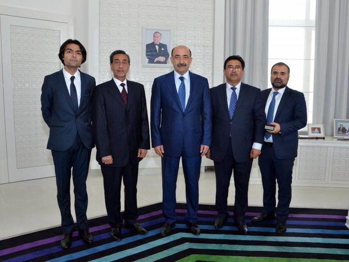 Известным азербайджанским актерам и знатокам вручены государственные награды - ФОТО