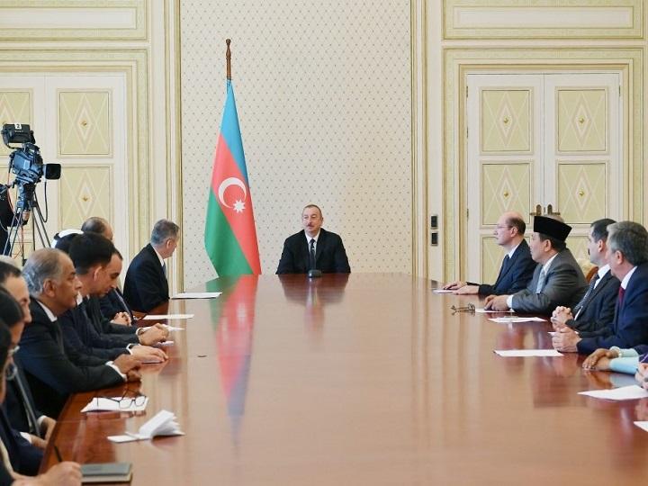 İlham Əliyev: Azərbaycan İslam həmrəyliyinin gücləndirilməsi istiqamətində əməli addımlar atır