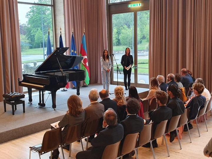 İsveçrədə beynəlxalq pianoçular müsabiqəsi keçirilib – FOTO
