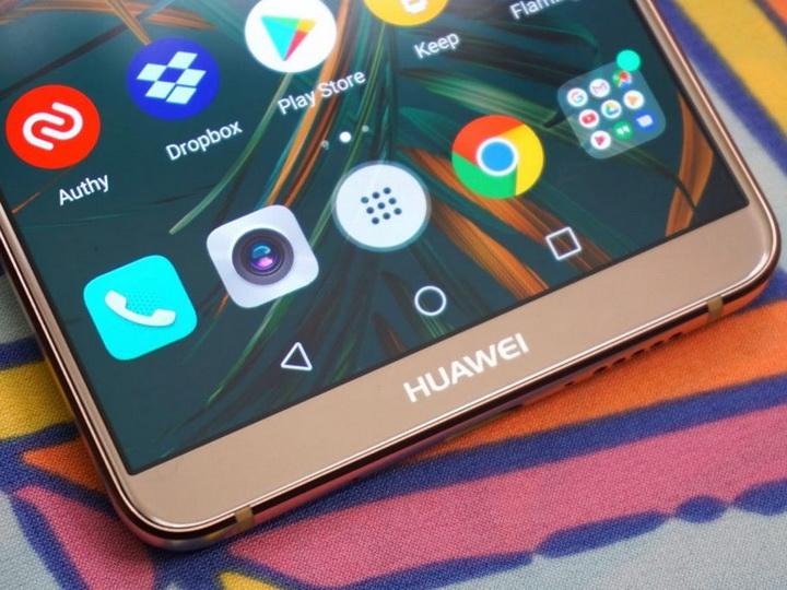 Смартфоны Huawei отключат от Android