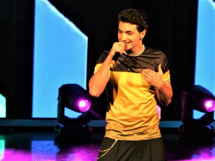 Азербайджанский певец победил на международном фестивале поп-музыки в Болгарии - ФОТО - ВИДЕО