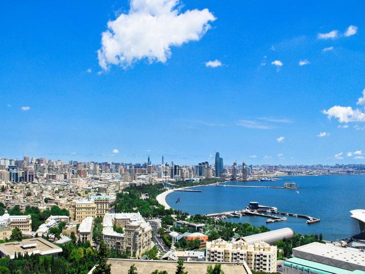 Завтра в Баку тепло, до +28