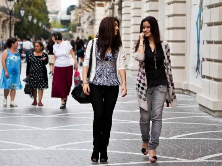 В Азербайджане стремительно сокращается число девочек