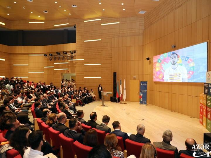 В Азербайджане государством созданы все условия для раскрытия потенциала и реализации идей молодежи
