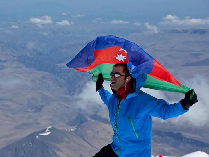 Исрафил Ашурлы покорил четвертую по высоте вершину мира - ФОТО