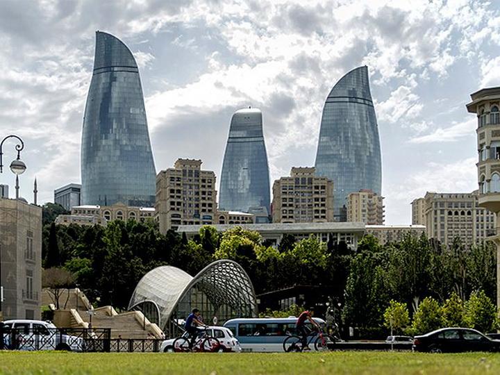 Завтра в Баку тепло, но вечером может пойти дождь